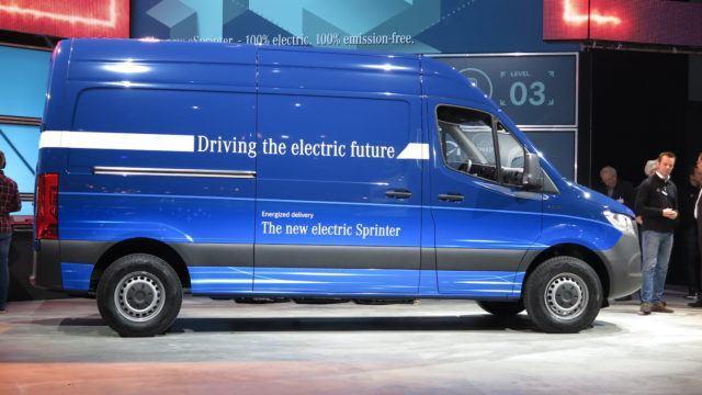Mercedes-Benz Sprinter mersu paku sähköpaku sähköpakettiauto eSprinter