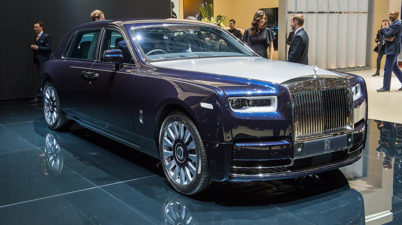 Rolls Royce Car >> Hetki Hiljaisuudessa Rolls Royce Phantom Messuhalinassa