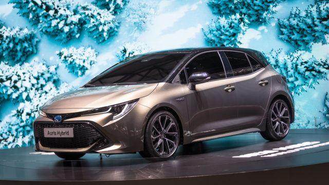 Toyota Auris uusi 2018 hybridi
