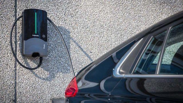 Vuosi sähköllä: sähköautojen termit
