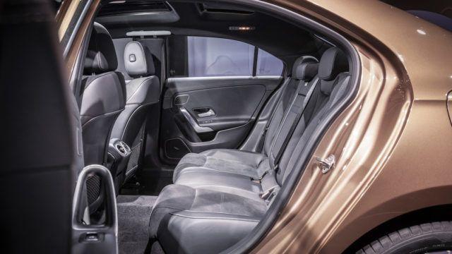 Mercedes-Benz A-sarjan L-sedan