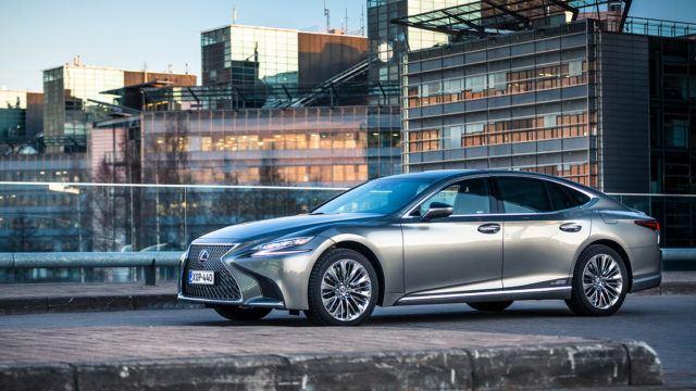 Koeajo: Lexus LS 500h on erilainen, mutta ensiluokkainen