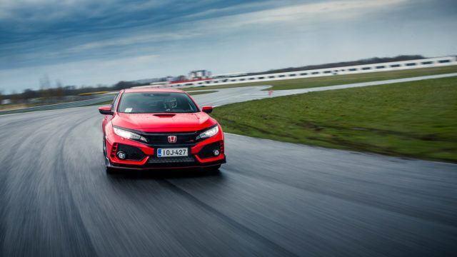 Koeajo: Honda Civic Type R – älä naura, kuoren alla on taikaa