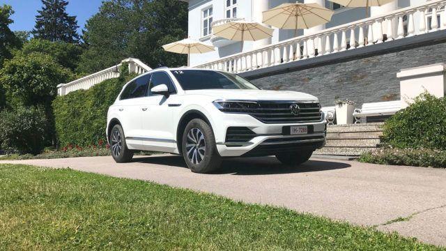 Maistiainen: Volkswagen Touareg – ylellinen vetojuhta avustaa peräkärrynkin parkkiin