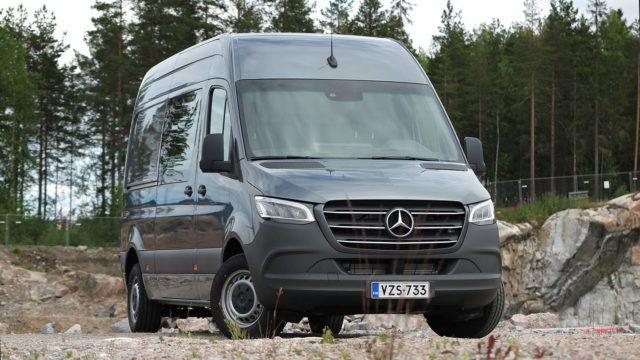 Koeajo: tuttu roudari uudessa etuvedossa – Mercedes-Benz Sprinter