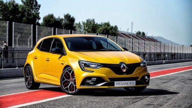 Renault Clio Rs >> Se Ratkaiseva Ero Renault Megane R S Trophy Nostaa Riman