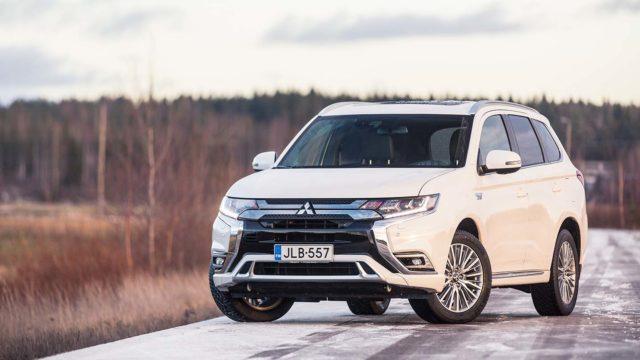 Koeajo: Uutta menneisyydestä – Mitsubishi Outlander PHEV Instyle