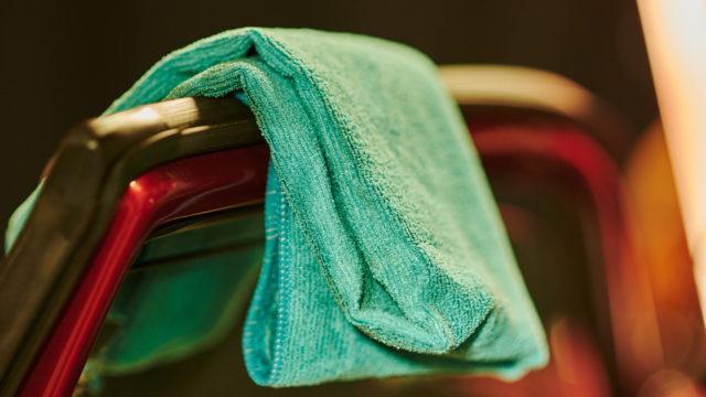 Mikrokuituliina tiivisteiden puhdistamiseen