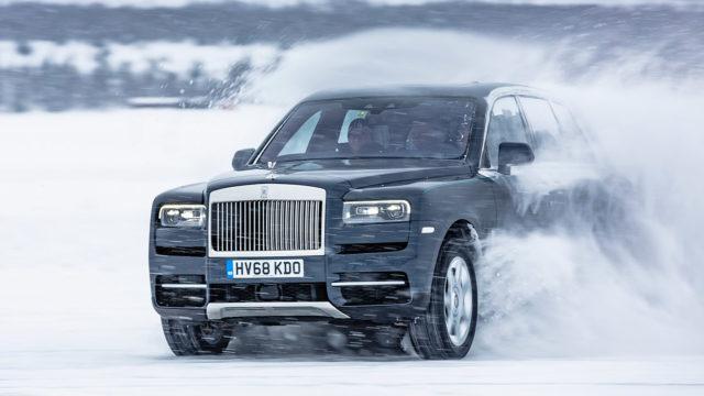 Aristokraatista anarkistiksi: jääradalla sivuluisussa Rolls-Royce Cullinan