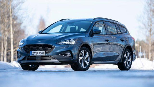 Koeajo: paksummat pohjat – Ford Focus Active