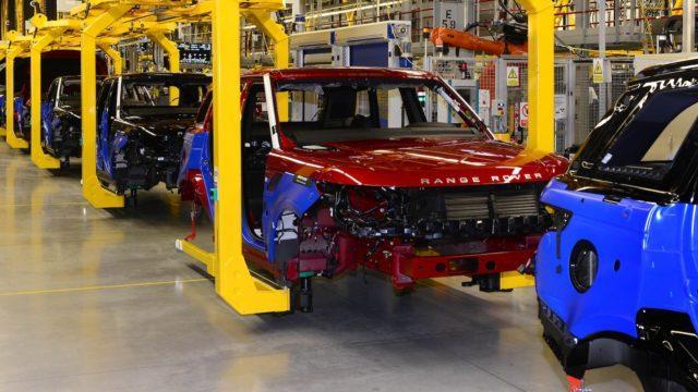 Jaguar Land Rover takaisinkutsuu bensiini- ja dieselmalleja päästöylitysten takia