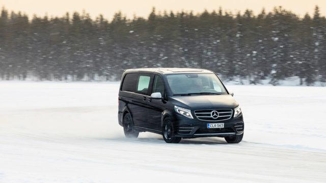 Mercedes-Benz jääradalla / Vito