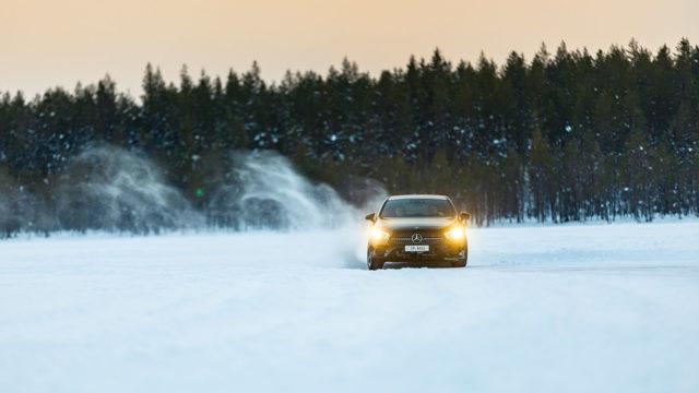 Mercedes-Benz jääradalla / A 220 4Matic