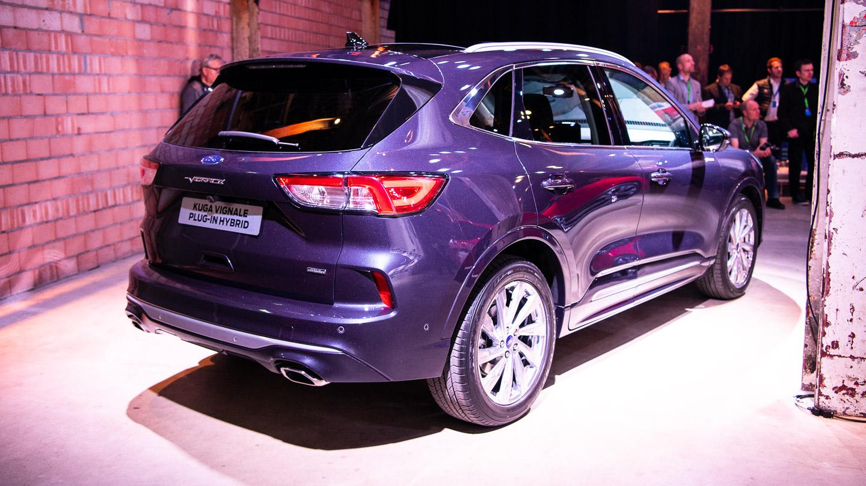 Kolmesti Hybridi Uusi Ford Kuga Tuo Tekniikkaa Ja Tilaa