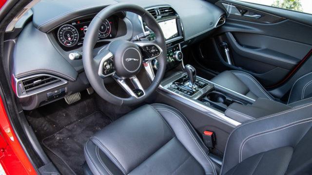 Jaguar XE D180 S