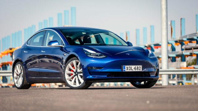 Koeajo: Tesla Model 3 Performance – se on vain auto