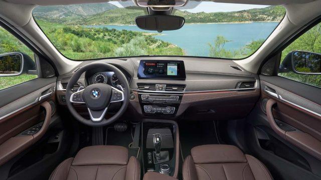 BMW X1 sisusta