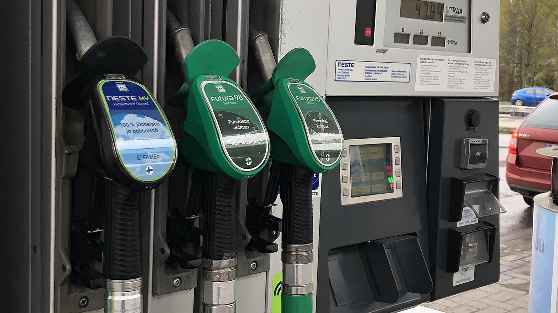Bensiini Vai Diesel