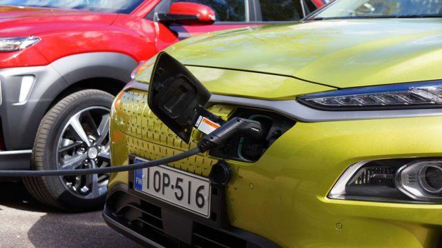 Parivertailu Hyundai Kona Electric vs 1.6 T-GDI