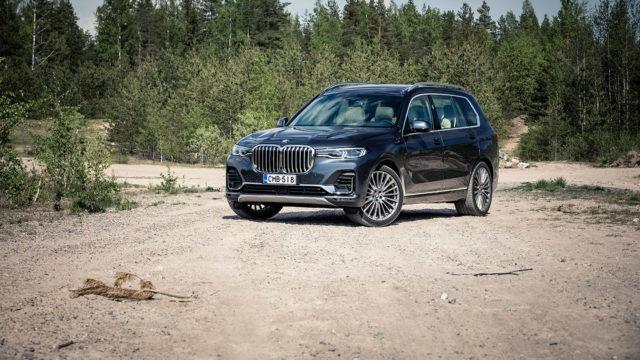 ensivaikutelmia autoista / BMW X7