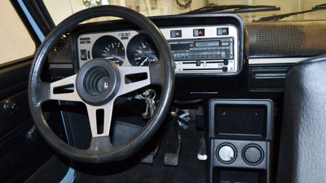 Volkswagen Golf mk1 ohjaamo - Tori.fi