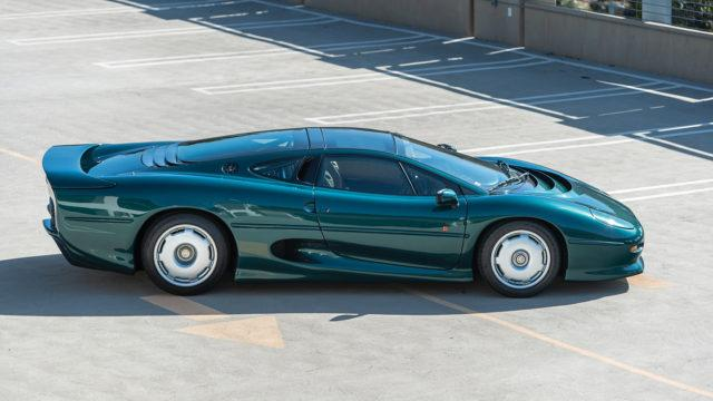 Jaguar XJ220 side - RM Sotheby's