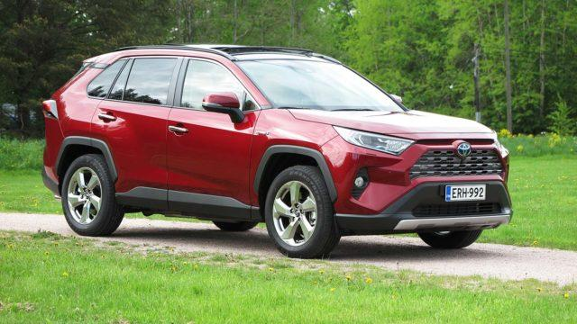 Koeajo: pihi, silti mukava – Toyota RAV4