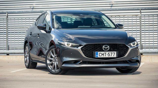 Koeajo: Kahta viikkoa vaille valmis – Mazda 3 Sedan
