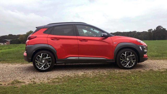 Koeajo: Bensiinin ja sähkön väliin – Hyundai Kona 1.6 Hybrid