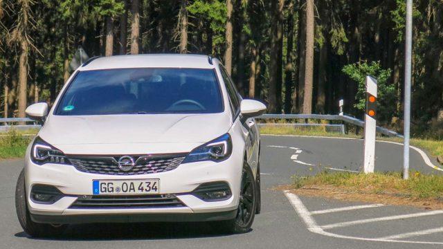 Koeajo: Puhtaampaa perheille – Opel Astra