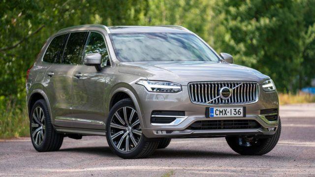 Koeajo: B niin kuin kevythybridi – dieselillä – Volvo XC90 B5
