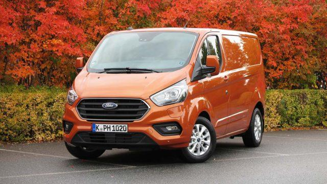 Koeajo: Jakelukin sähköistyy – Ford Transit Custom PHEV