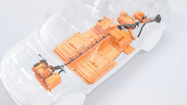 Volvo_XC40_electric