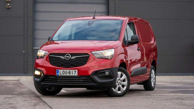 Koeajo: Pakkaamisen pikkujättiläinen – Opel Combo Cargo
