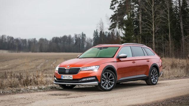 Koeajo: korotusta keulille – Škoda Superb Combi