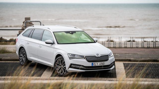 Koeajo: Škoda Superb iV Combi – vihdoinkin lataushybridinä
