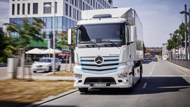 Vaihtoehtoiset polttoaineet raskaassa liikenteessä
