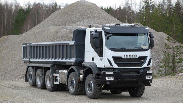 Koeajo: Kivirouheen pyörittäjä – Iveco Trakker 10x4