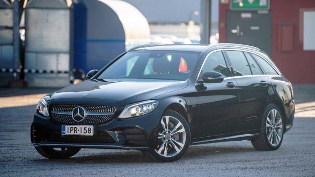Koeajo: Vanhan koiran uudet temput – Mercedes-Benz C 300 e T