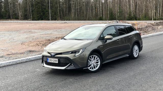 Koeajo: perusvarma mökkiteiden taltuttaja – Toyota Corolla Trek