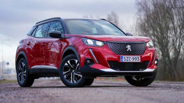 Koeajo: Peugeot 2008 Puretech 130 ei unohda kauneuttaan eikä käytännöllisyyttään