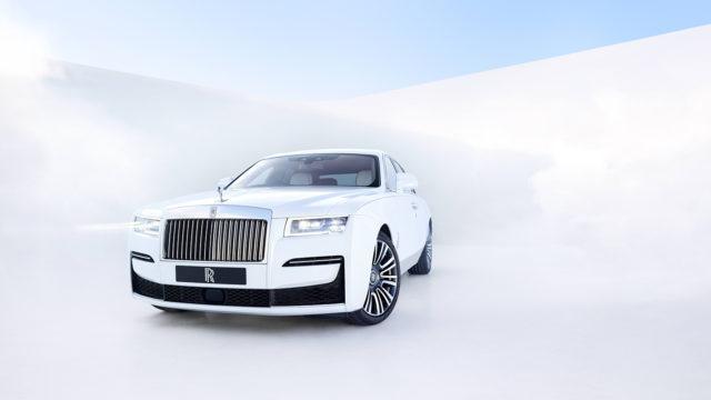 Rolls-Royce Ghost 2020 front quarter