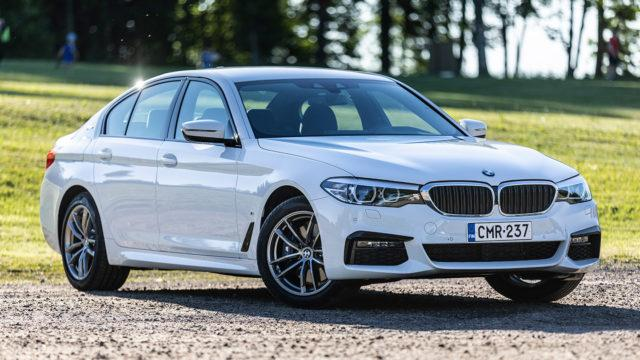 Koeajo: BMW 530e – juuri kun ehdimme koeajaa uudistuneeen lataushybridin, se uudistui jälleen