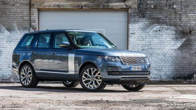 Koeajo: Hiljaista hiipimistä kartanon mailla – Land Rover Range Rover P400e