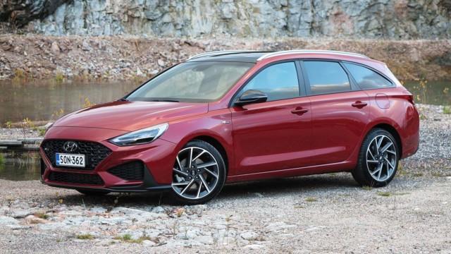 Koeajo: Hyundai i30 on kevythybridi sporttisella silauksella, ehkä liiankin sporttisella