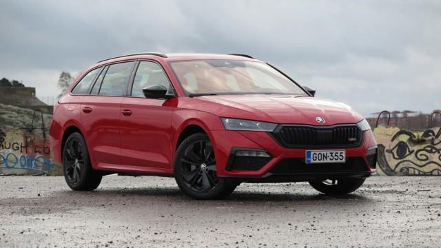 Koeajo: Škoda Octavia RS iV – suomalaisten suosikkiauton saa nyt lataushybridinä, mutta se ei ole yhtä sporttinen kuin sisarensa