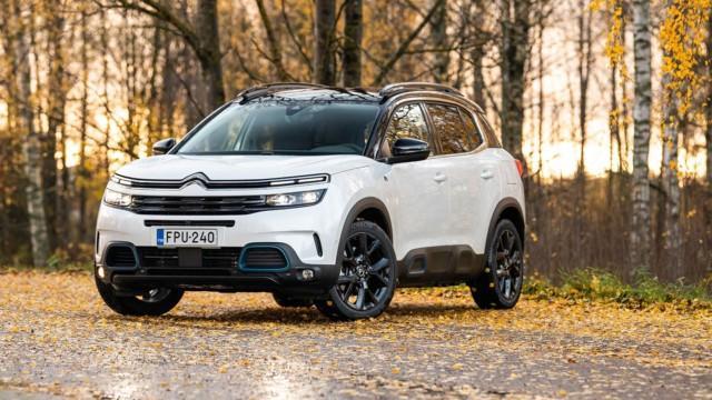 Koeajo: Citroën C5 Aircross Hybrid on ladattu täyteen mukavuutta