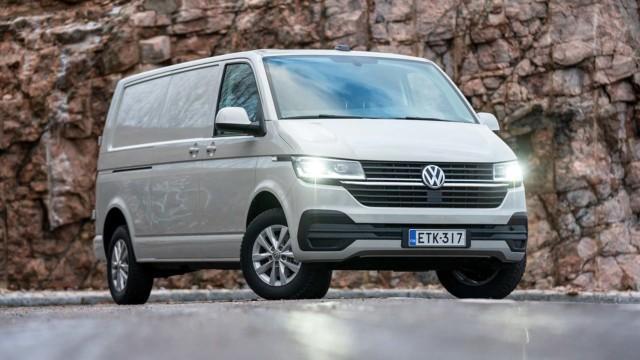 Koeajo: uudistettu Volkswagen Transporter uhmaa nyt tavaroiden lisäksi tuulta