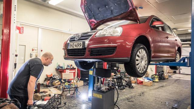 Volkswagen Golf V Variant öljynvaihto