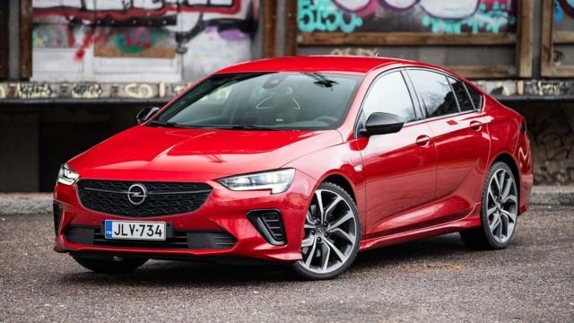 Koeajo: Opel Insignia muistuttaa kasvojenkohennuksen jälkeenkin siitä, mistä malli on alun perin kotoisin